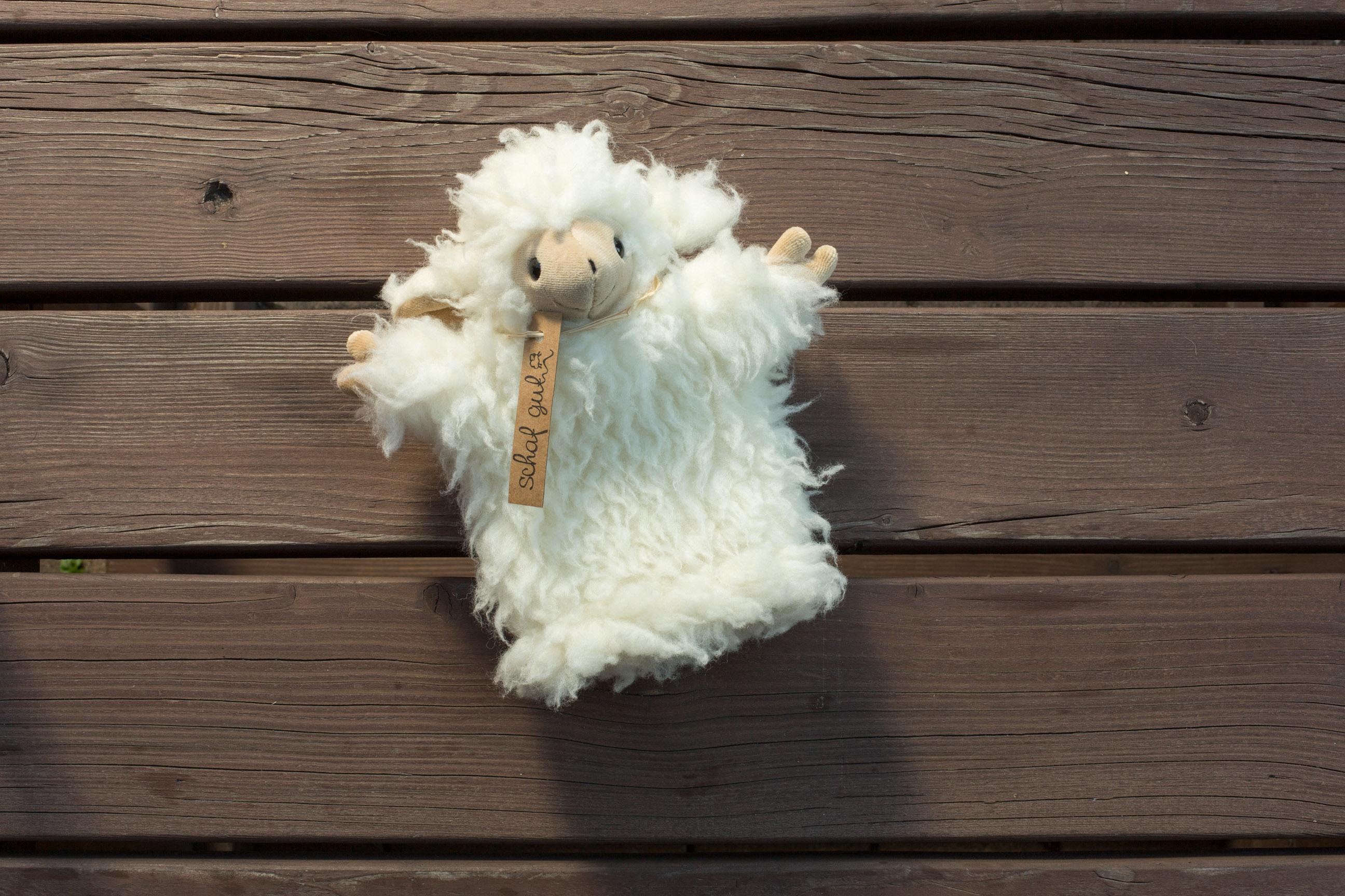Alpaka-, Lama- und Schafwoll-Produkte aus den Wiener Alpen