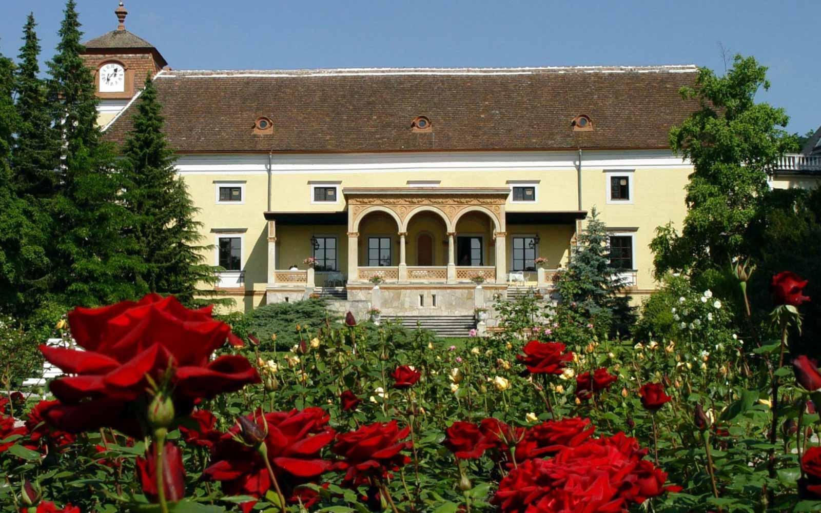 Spa Hotel SchloГџ Weikersdorf